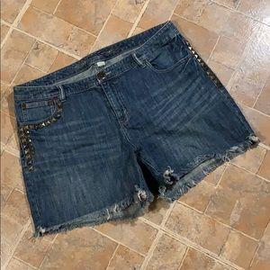 Avenue jean shorts size women's plus size 16